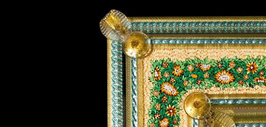 Miroir vénitien avec détails verts et or